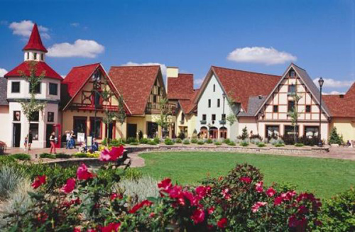 frankenmuth-michigan-best-christmas-shopping