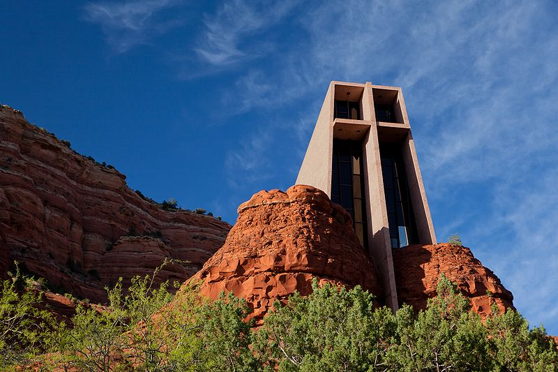 The 30 most architecturally impressive small towns in america for Sedona architects