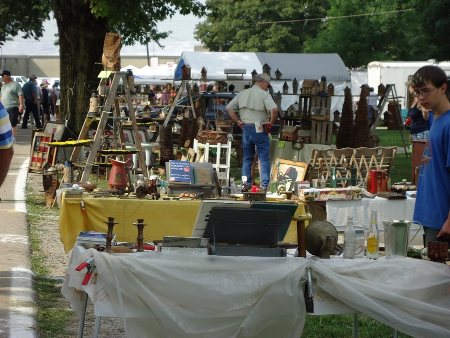 30 Great Small Towns For Antique Lovers on Vintage Furniture Stores Ohio