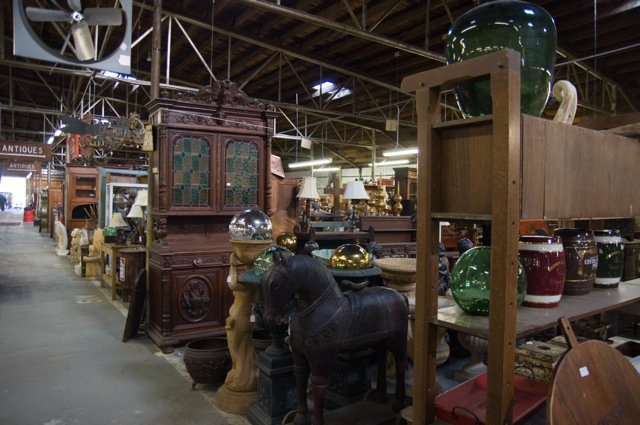 30 Great Small Towns For Antique Lovers