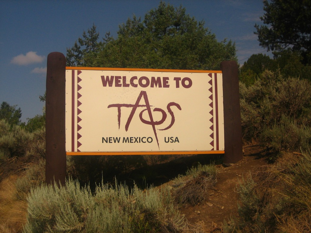 taos-new-mexico-impressive-small-towns