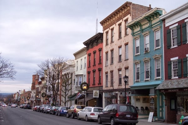 Hudson-new-york-small-town-antique-lovers