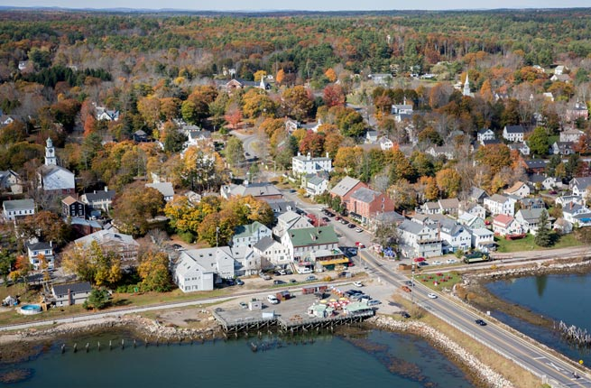 Wiscasset-Maine-small-town-antique-lovers