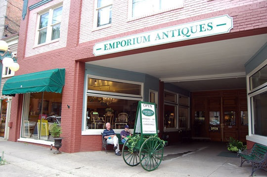 frederick-maryland-small-town-antique-lovers